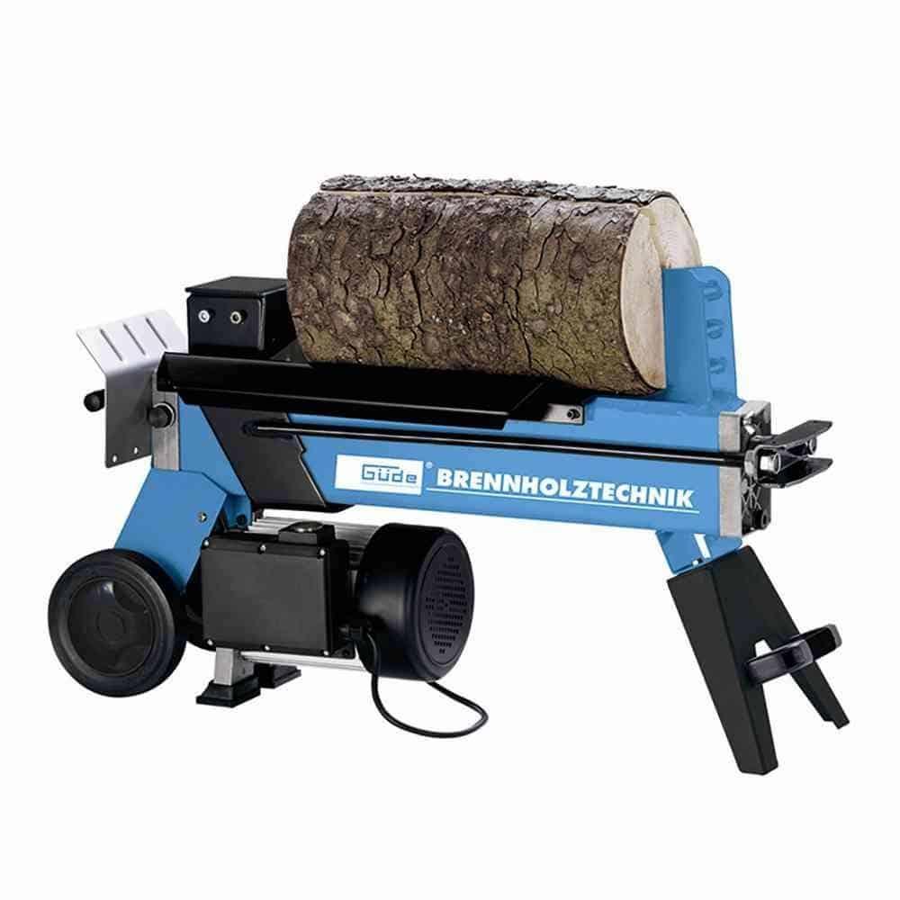 Spalter von Güde mit Holz